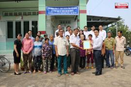 Toyota Tiền Giang tặng quá tết cho 40 hộ nghèo, cận nghèo tại tỉnh Bến Tre