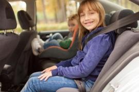 Những cách tốt nhất để đảm bảo an toàn cho trẻ em khi đi ô tô