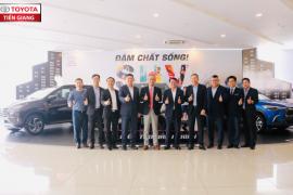 Toyota Tiền Giang vinh dự đoán tiếp Tổng Giám Đốc Toyota Việt Nam