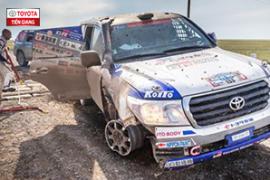 Toyota và câu chuyện về sự bền bỉ: Land Cruiser dù đã mất bánh nhưng vẫn chạy đua địa hình suốt 70km